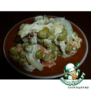 Рецепт: Салат из маринованной курицы с зеленым горошком