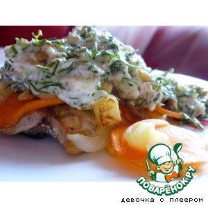 Рецепт: Горбуша с соусом Золотая рыбка