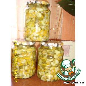 Рецепт: Салатик на зиму из свежих огурчиков