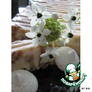 Рецепт: Торт-мороженое с карамелизированными орехами и тонка-безе