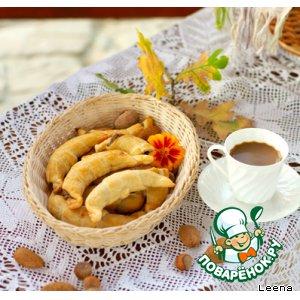 Рецепт: Рогалики с орехово-карамельной помадкой