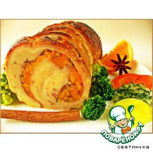 Рецепт: Рулет из свинины с курагой и апельсиновым соком