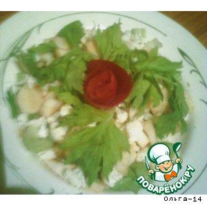 Рецепт: Салат из цветной капусты с яблоком, сельдереем и дайконом