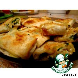 Рецепт: Лавашные рулетики с сыром и зеленью