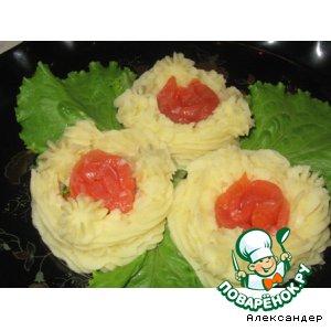 Рецепт: Картофельные гнездышки с соленой семгой