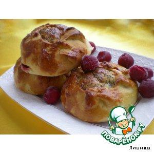 Рецепт Булочки с творогом и вишнями