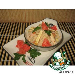 Рисовая вермишель с куриным филе и креветками – кулинарный рецепт