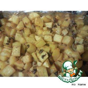 Рецепт: Картофель в сметане, запеченный в духовке