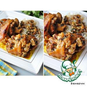 Рецепт: Тушеные свиные ноги со специями и соевым соусом