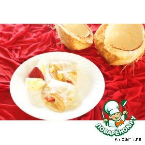 Рецепт: Кокосовые блины с ананасом и клубникой