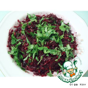 Рецепт: Свекольный салат Четыре сезона