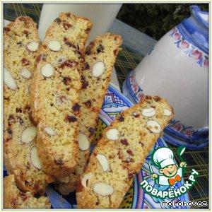 Рецепт: Кукурузные бискотти с клюквой и миндалем