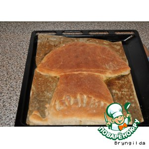 Рецепт: Пирог ржаной с солеными огурцами и опятами