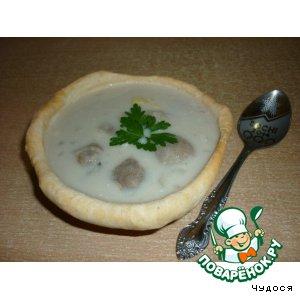 Рецепт: Сырный суп с грибами в съедобных тарелочках