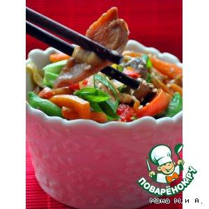 Рецепт: Стирфрай из курицы, овощей и грибов