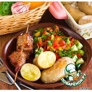Рецепт: Шашлык, картофель, салат
