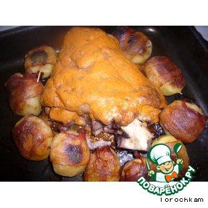 Рецепт: Свиная рулька с картофелем, запеченные