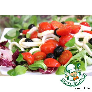 Рецепт: Теплый салат с кальмарами Для нее