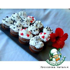 Рецепт: Шоколадные кекс-пирожные со взбитыми сливками