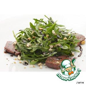 Рецепт: Салат из рукколы с телятиной