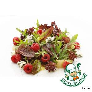 Рецепт: Салат фруктовый с сыром рокфор