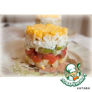 Рецепт: Салат со слабосольным лососем и брюссельской капустой