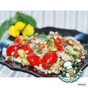 Рецепт: Тeплый салат из перловки с овощами
