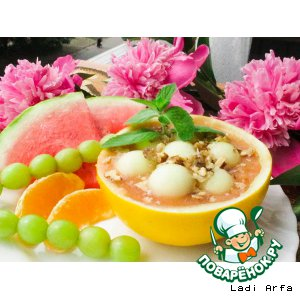 Рецепт: Фруктовый суп-пюре Фруктовая фантазия и хлеб Облачко