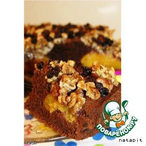 Рецепт: Шоколадный пирог с персиками и орехами