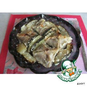 Рецепт: Манты, запечeнные с кабачками под сметанно-чесночным соусом
