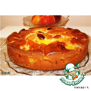 Рецепт: Пирог с персиками и орехами пекан