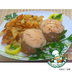 Рецепт: Мясные шарики с сыром под сметанным соусом