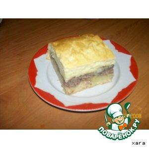 Рецепт: Мясной пирог из сдобного бездрожжевого теста