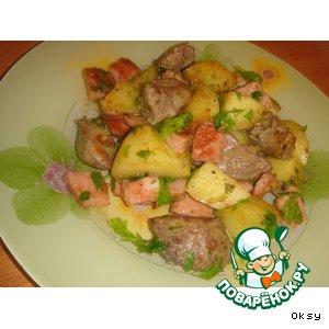 Рецепт: Куриная печень с картофелем и ветчиной