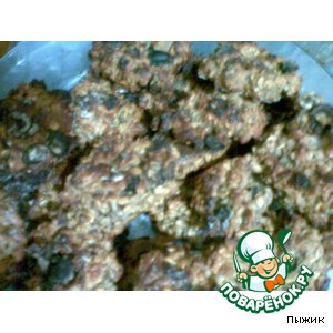 Рецепт: Овсяное печенье с изюмом и клубникой