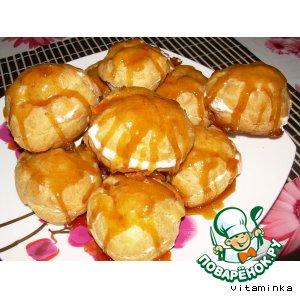 Рецепт: Миндальные пирожные в золотой карамели