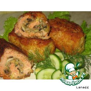 Рецепт: Рулетики рыбные с сырно-грибной начинкой