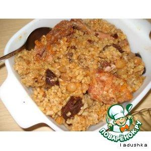 Рецепт: Сладкий плов из курицы, с рисом и сухофруктами