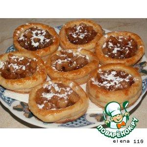 Рецепт: Корзиночки с яблоками в карамели