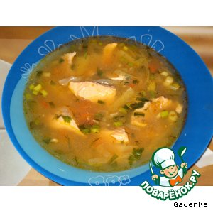 Рецепт: Суп из лосося с капустой и белым вином