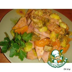 Рецепт: Салат с ветчиной, мандаринами и брюссельской капустой