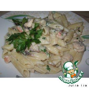 Рецепт: Макароны с курицей, грибами и креветками