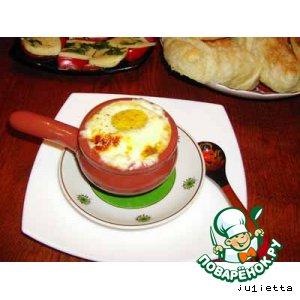 Рецепт: Яичница в кокотницах Воскресный завтрак