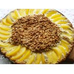 Пирог с семечками и персиками