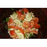 Салат овощной с белой фасолью
