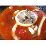 Томатный суп с кальмарами