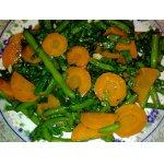 Салат из моркови, шпината и зеленой фасоли