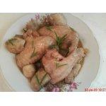 Курица с луком и шампиньонами в красном вине