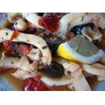 Кальмары   в   маринаде   с   оливками   и   томатами
