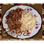 Домашняя лапша с мясным соусом
